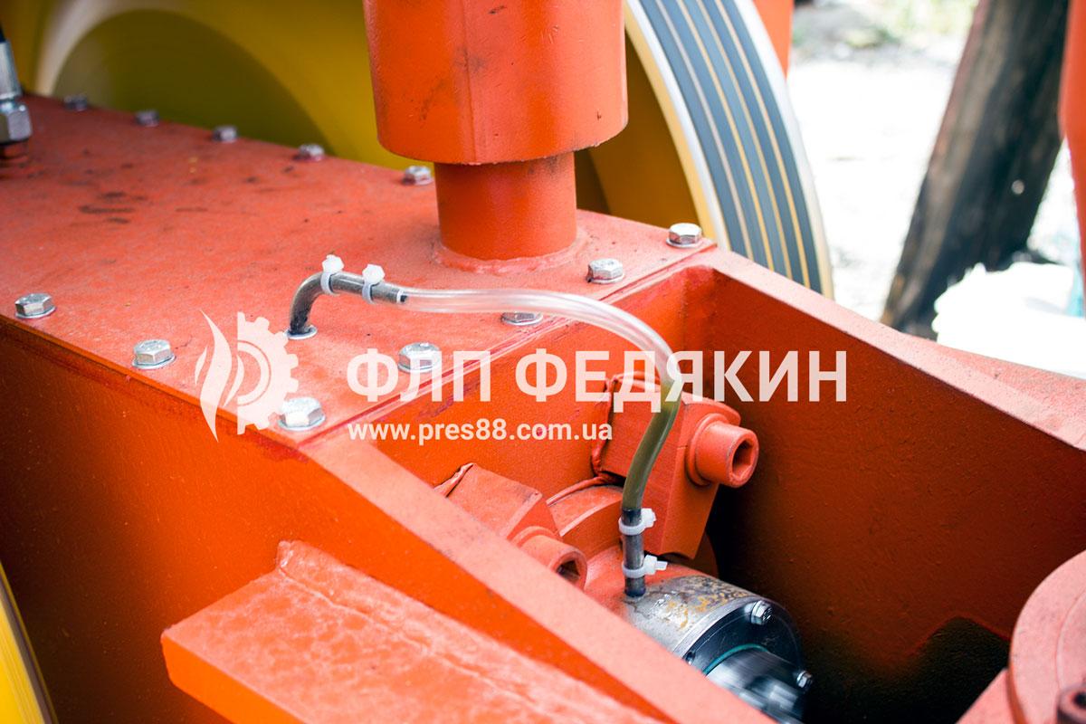 Пресс для брикетов система смазки